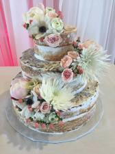 Cake: Barb's Cakery